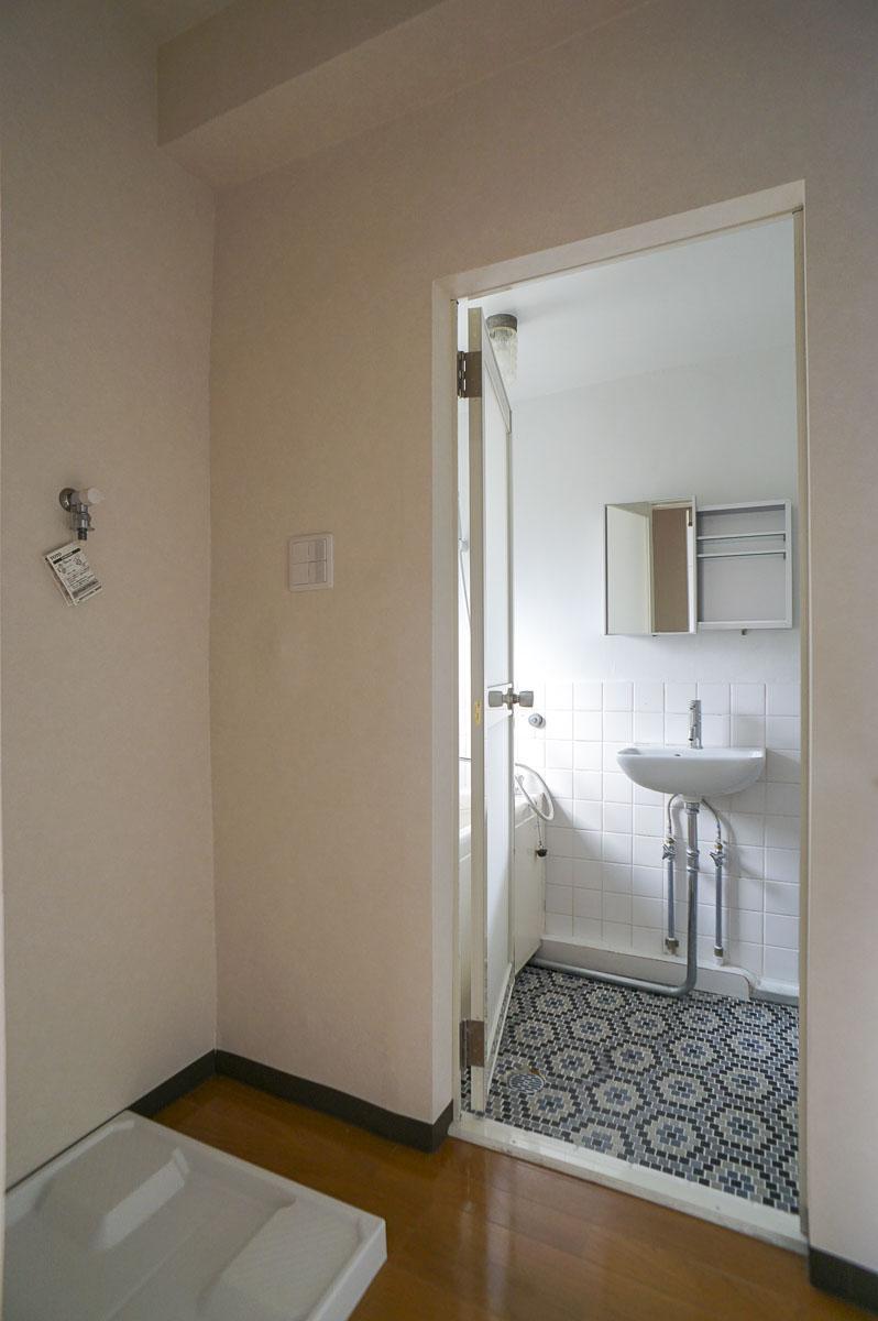 302号室:浴室のタイルがかわいらしい