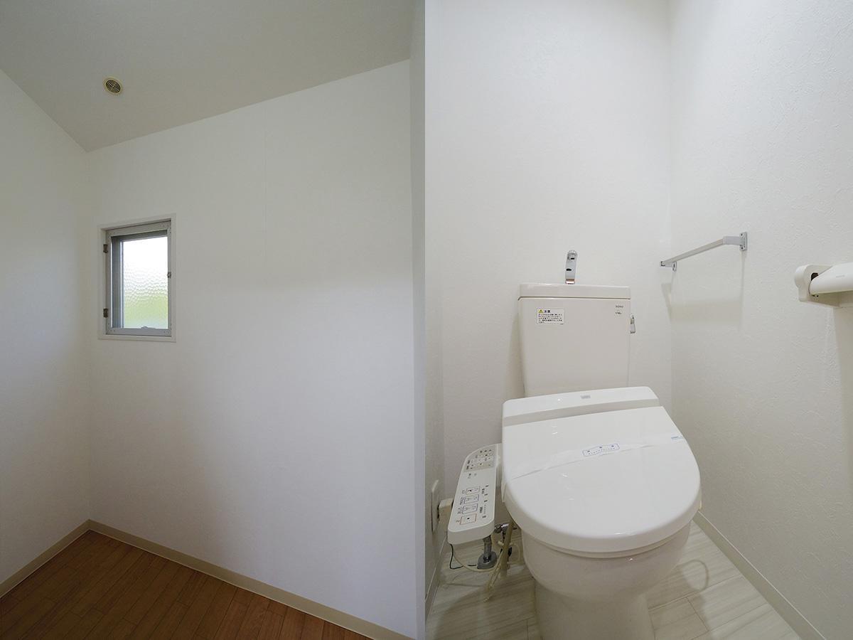 2階納戸とトイレ