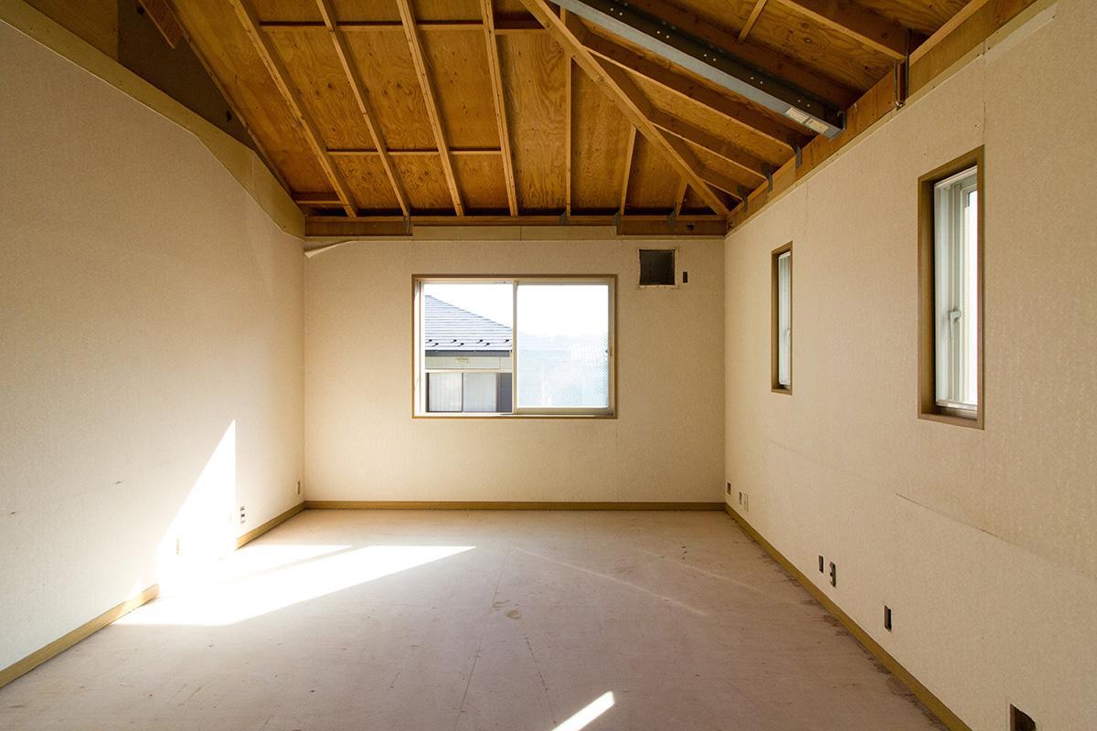 2階部分は天井を解体すればさらにダイナミックな空間に