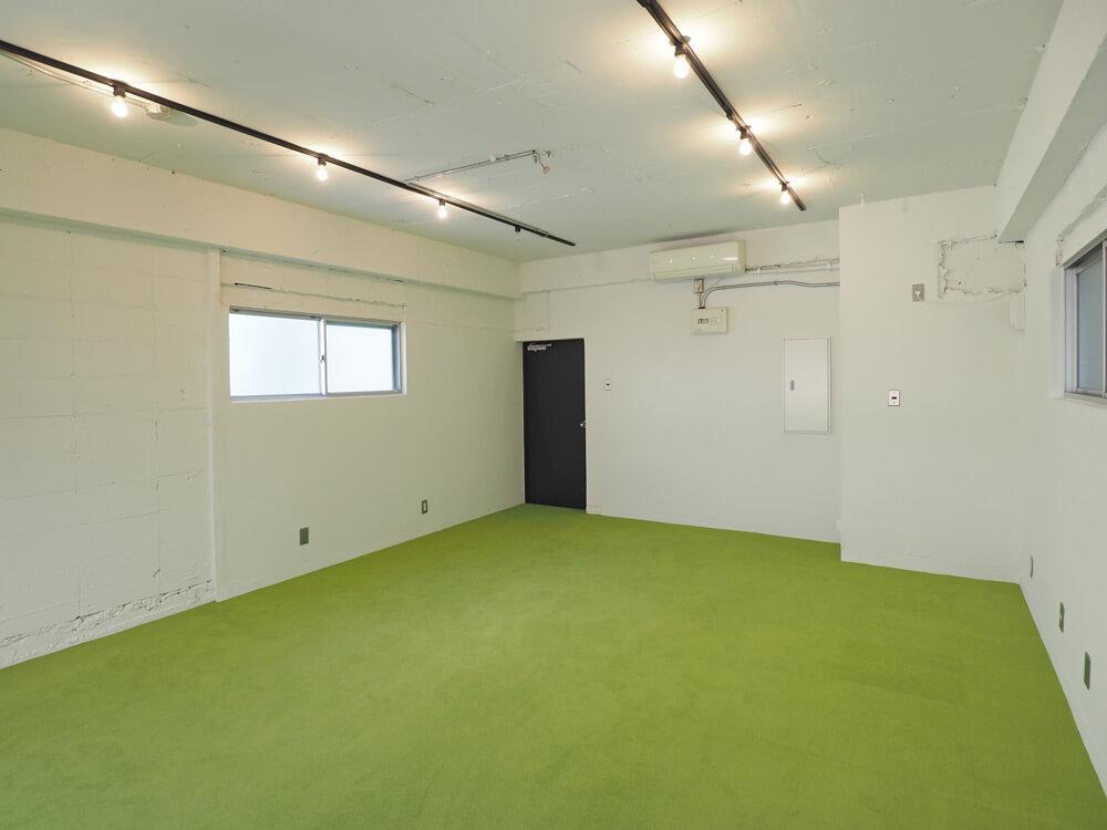 部屋の形はシンプルな長方形