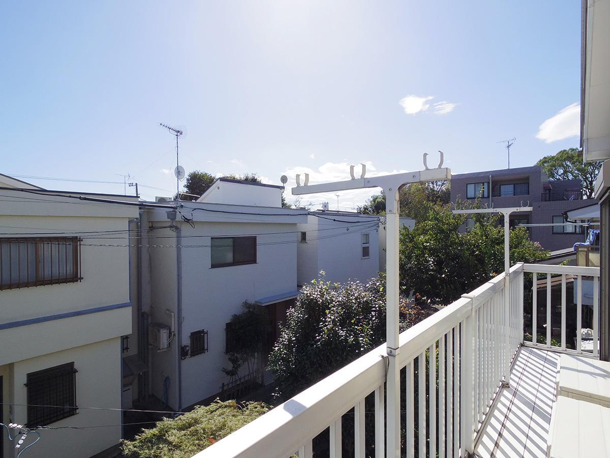バルコニーからの眺望。空が広く気持ちがいい