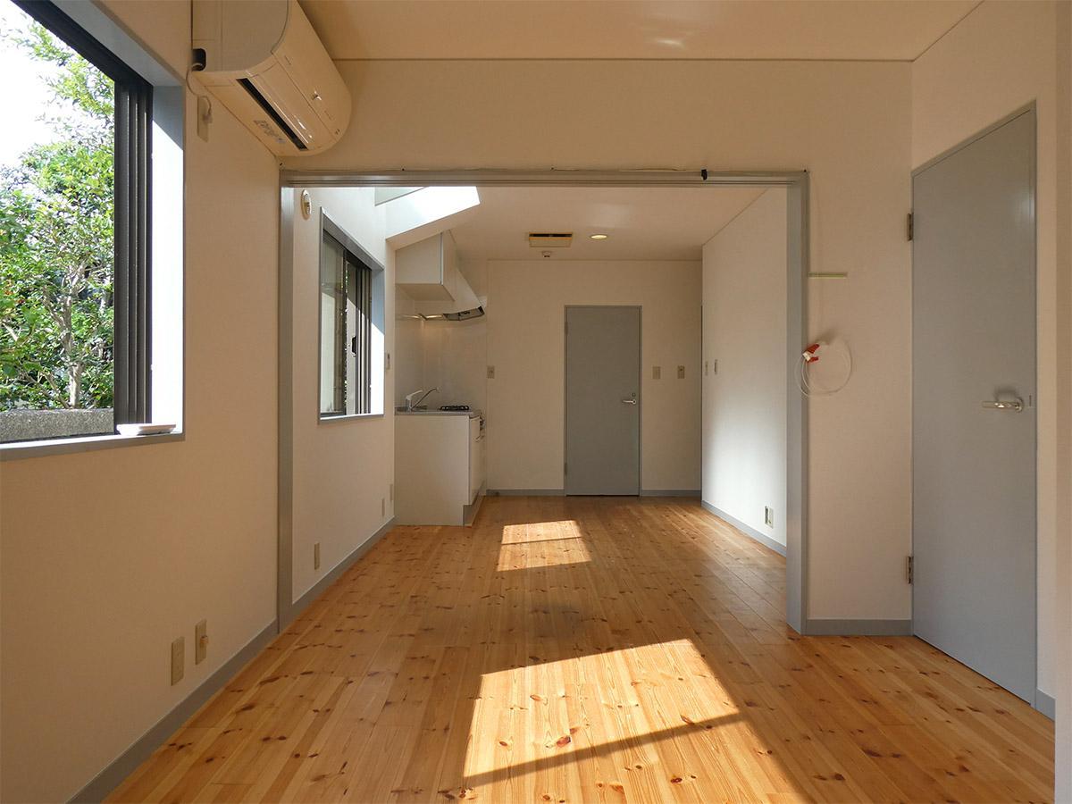 リビングの横幅は約2m。お手持ちの家具とご相談を