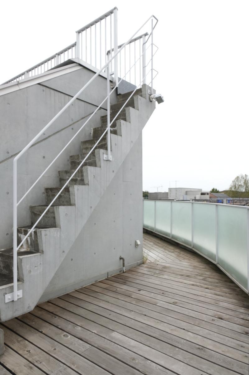 階段のある部分はやや広くなってます