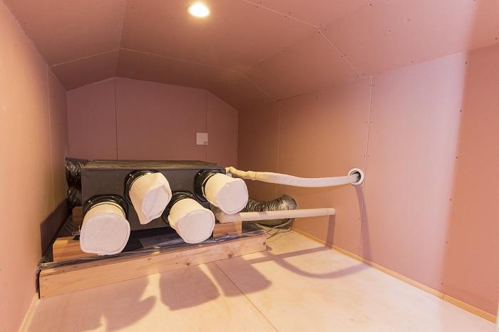 少しのエネルギーでどの部屋も快適な環境を保つパッシブエアコンが導入されている