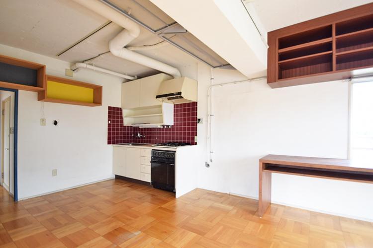 カウンタータイプのキッチンもつくりやすい、ゆったりとしたキッチン回り