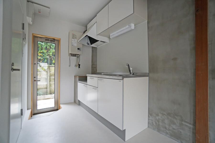 Bタイプはキッチン側にも出入り口があります