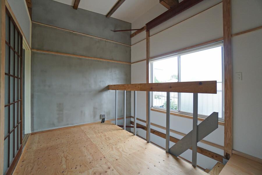 2階も既存の天井を抜いたので、天井高は約3mある