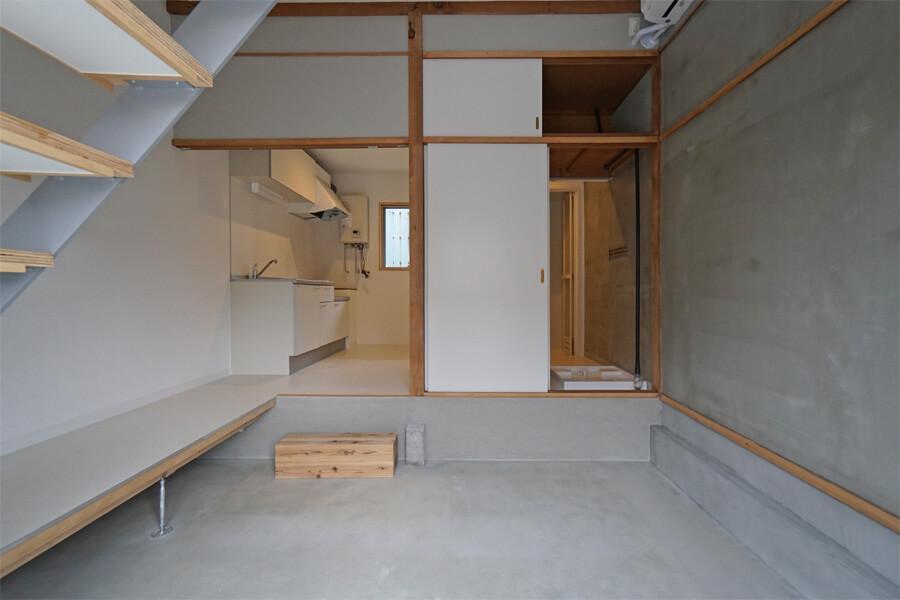 Aタイプの1階。キッチンに出入り口がないので、そのスペースは収納などを置くことが可能