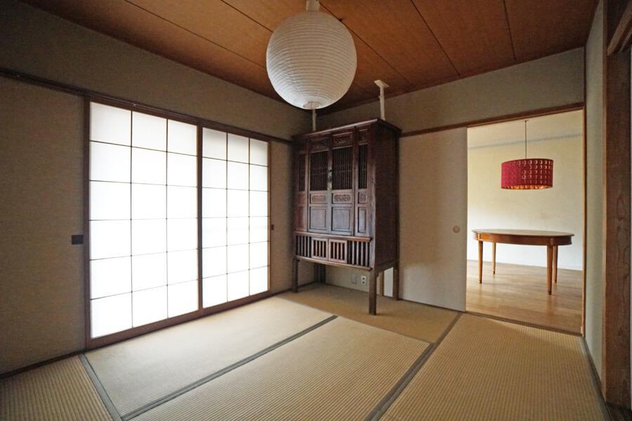 シンプルなデザインの和室。家具次第ではアジアな感じにもなりそうです
