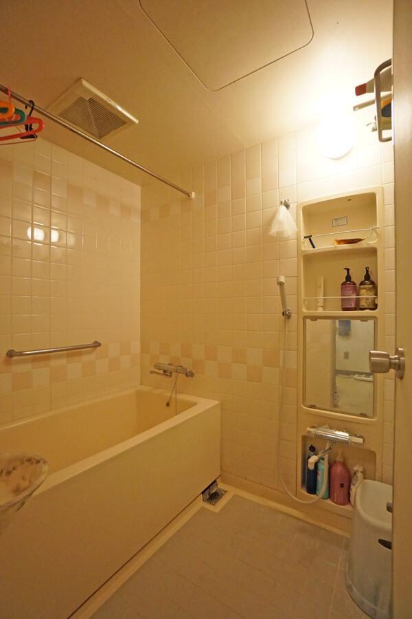 浴室はユニットバスです