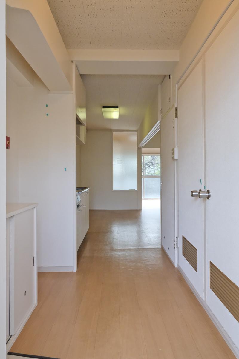 302号室:玄関がやや広め