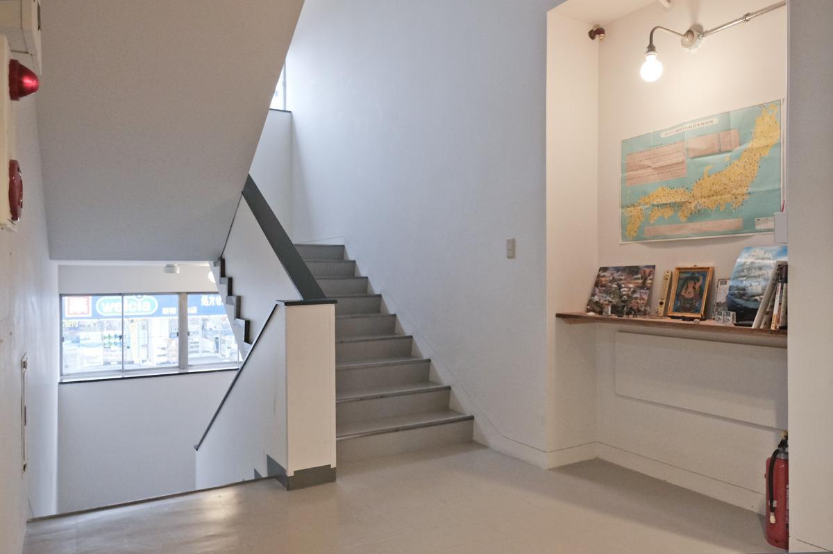 2階共用階段