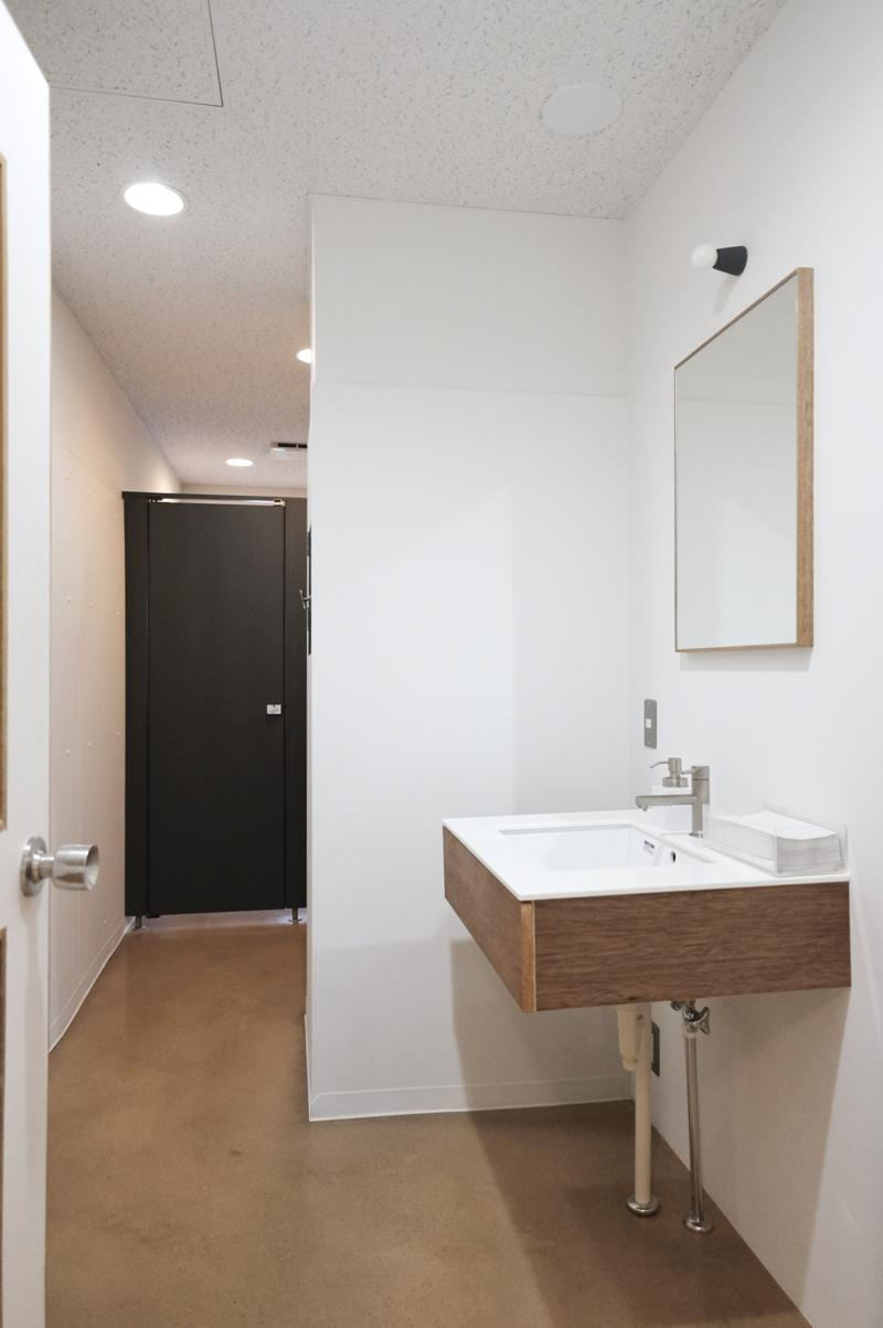 2階女性用トイレ