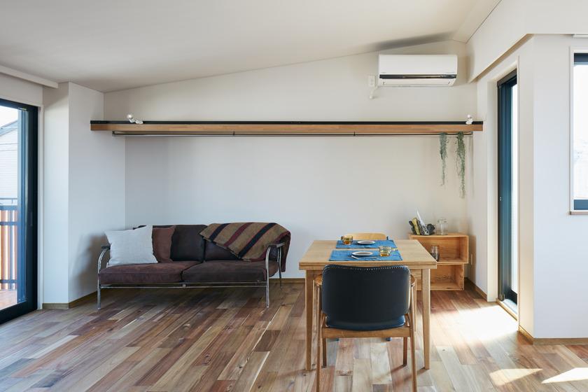 別の部屋の写真。今回の区画は勾配天井ではありませんが、それ以外は同じ仕様