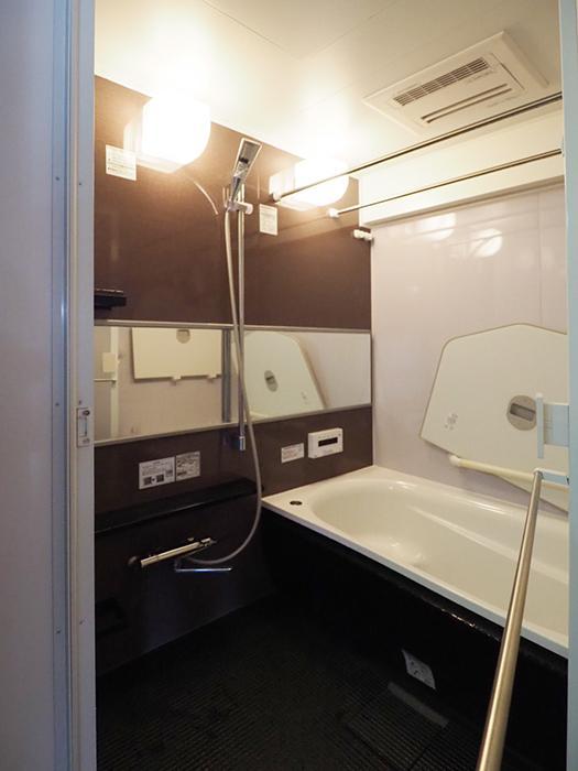 浴室。追いだき機能、浴室乾燥暖房機つき