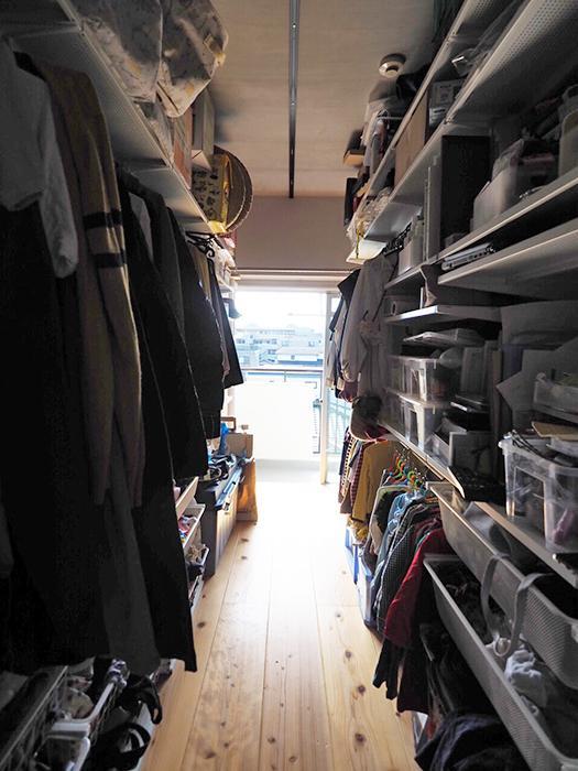 たっぷり荷物が収まる納戸。将来、寝室や子ども部屋に変えることもできる広さ