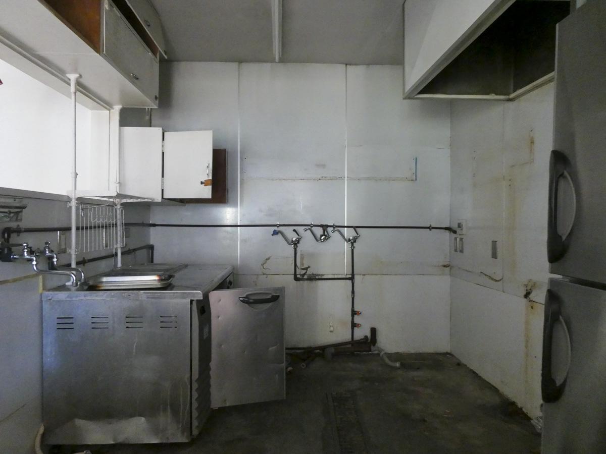 厨房内の冷蔵庫などは残置物扱い
