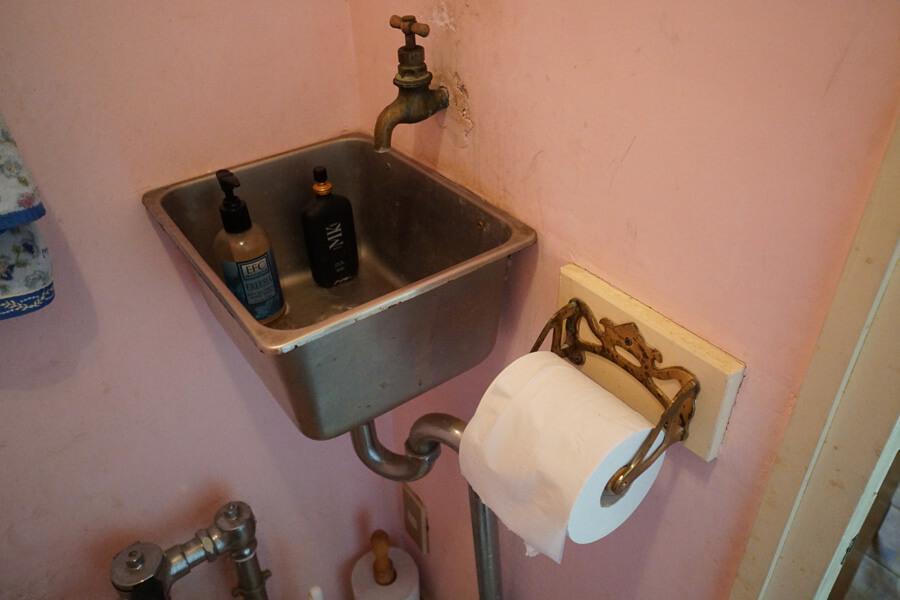 手洗いはヨットに使われていたもの