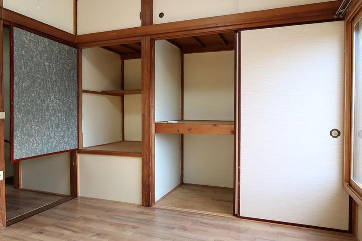 2階:押入れ収納あり