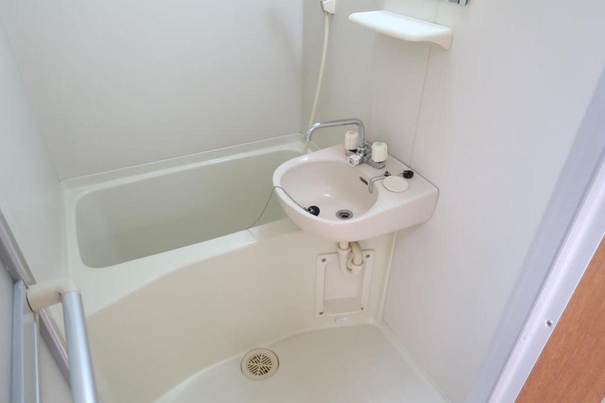 1階:お風呂、使用しない場合は収納スペースにしてしまうのもアリ