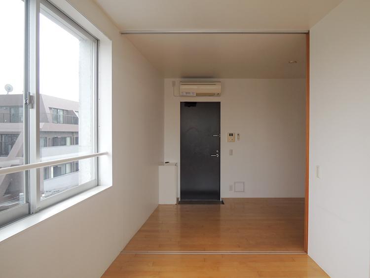 玄関ドアは普通サイズ