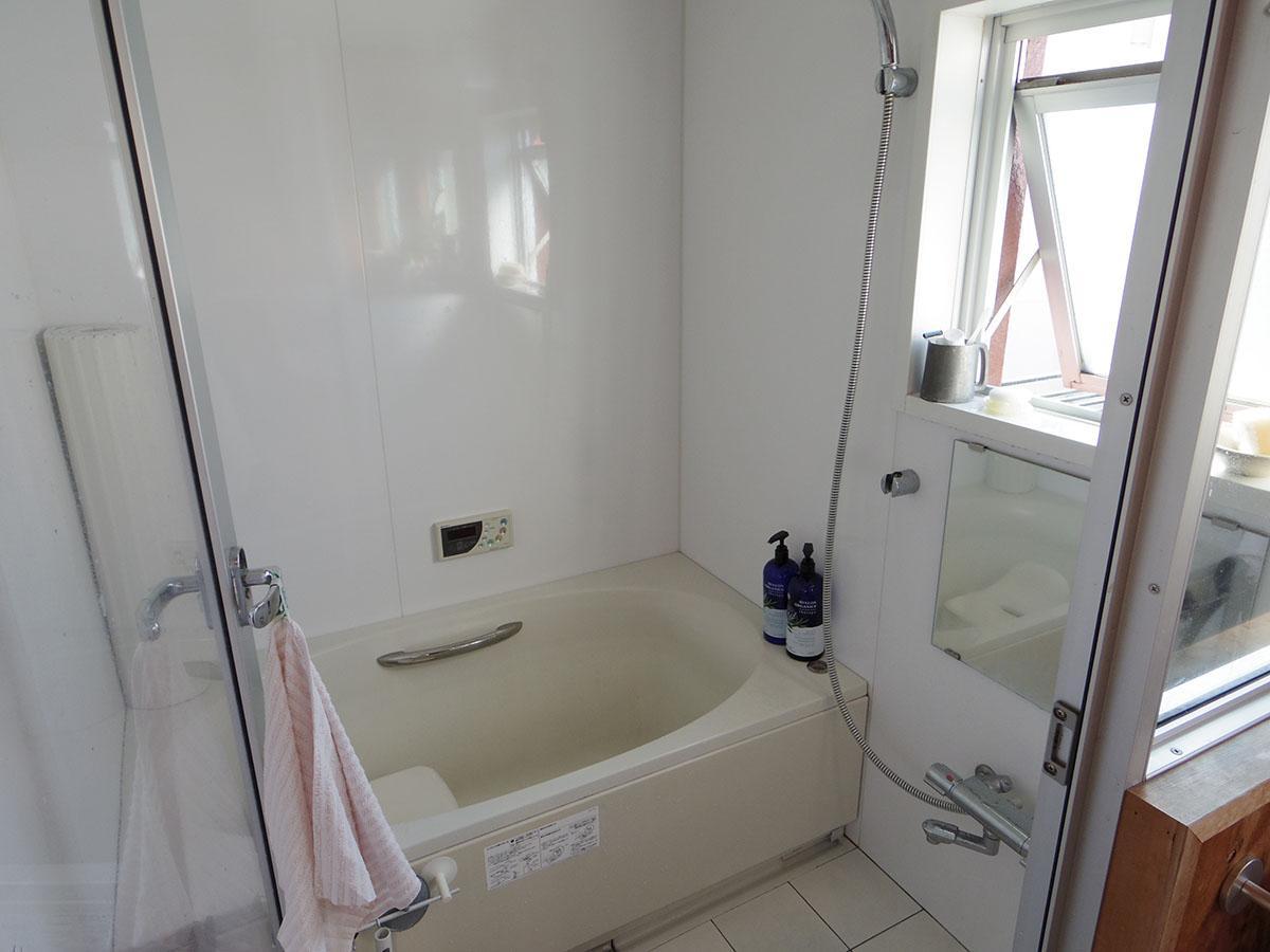 風呂に窓があるのもうれしいポイント