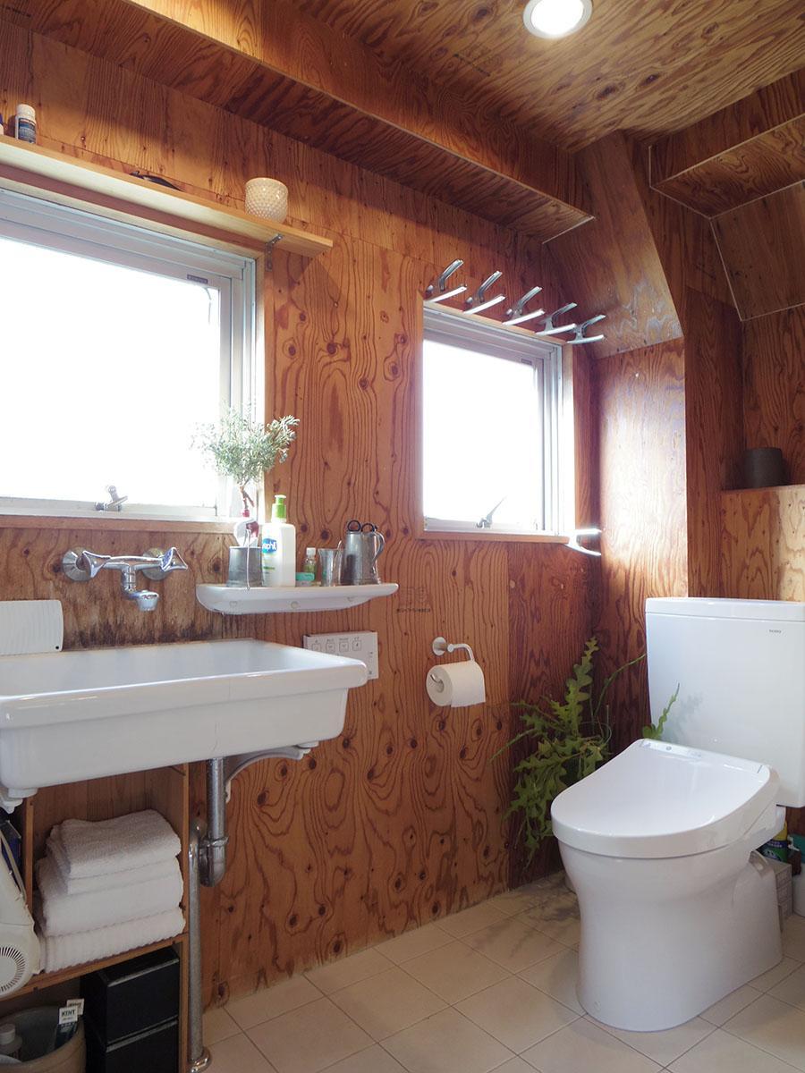 トイレと洗面所は同室でゆとりあり