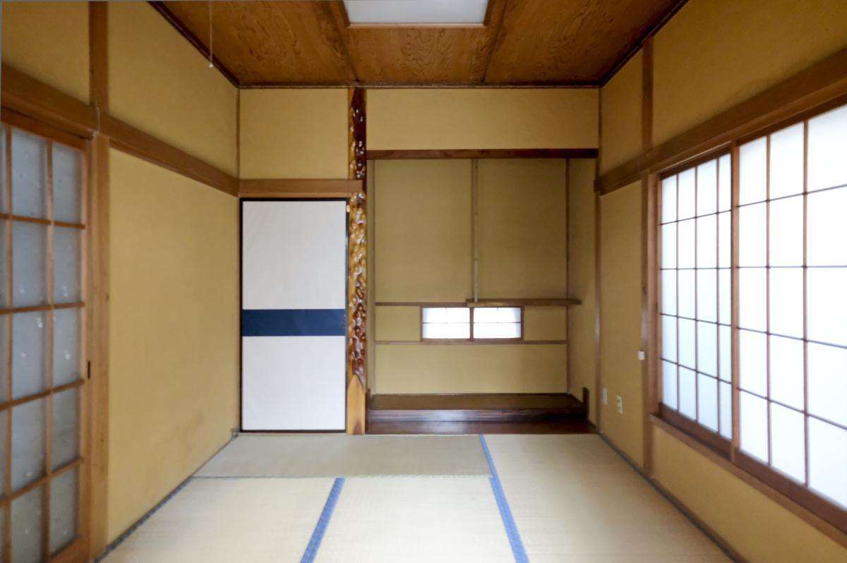 1階:入口の右手の和室
