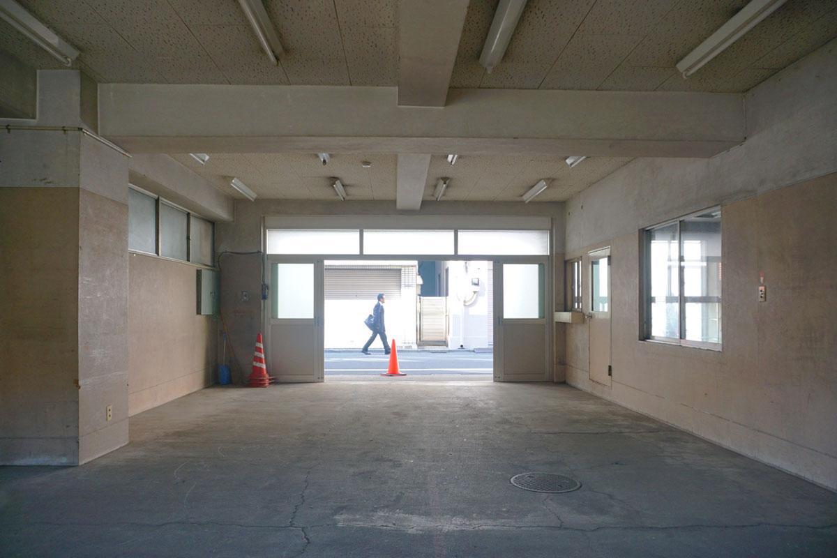 1階:間口が広い、現在の天井高は約2.9mで天井を抜けば3mは越えそう