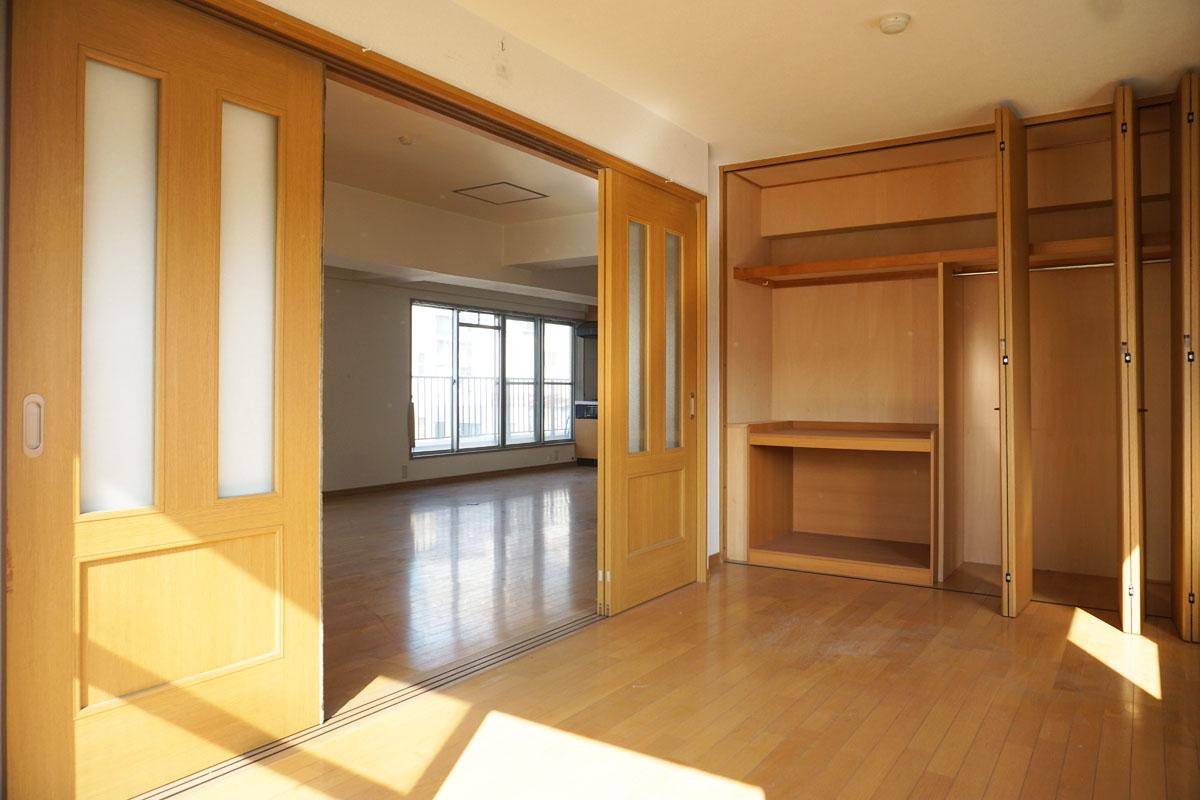 5階:15㎡程度の洋室