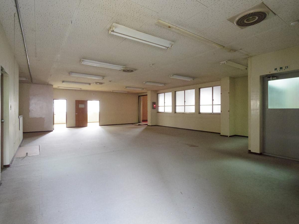 3階右区画:奥に2部屋ある