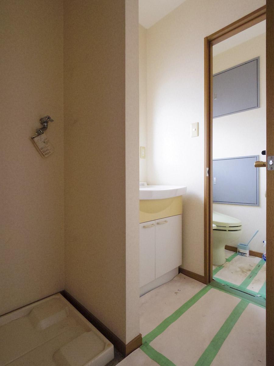 4階:洗濯機置き場がある