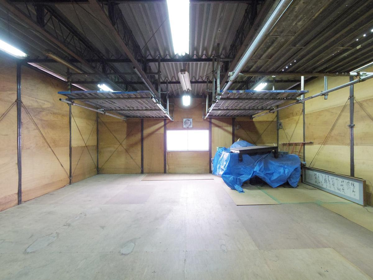 屋上の倉庫