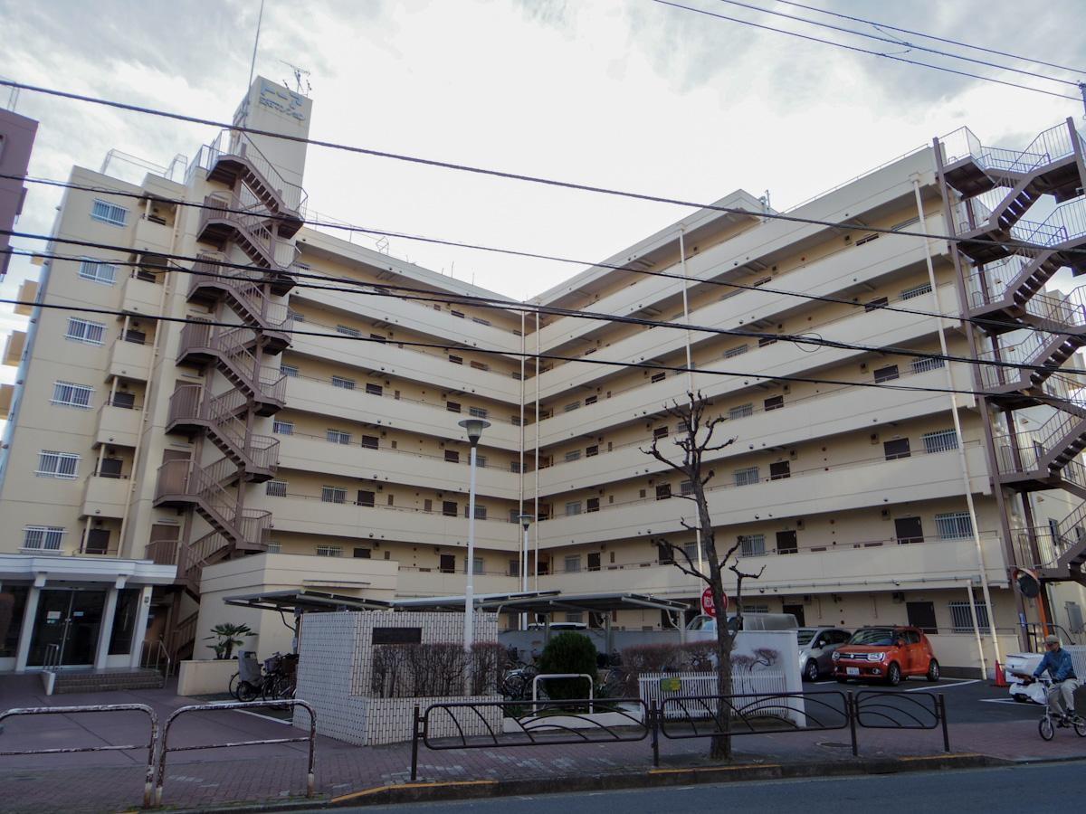 1980年築。レトロな雰囲気の分譲マンション