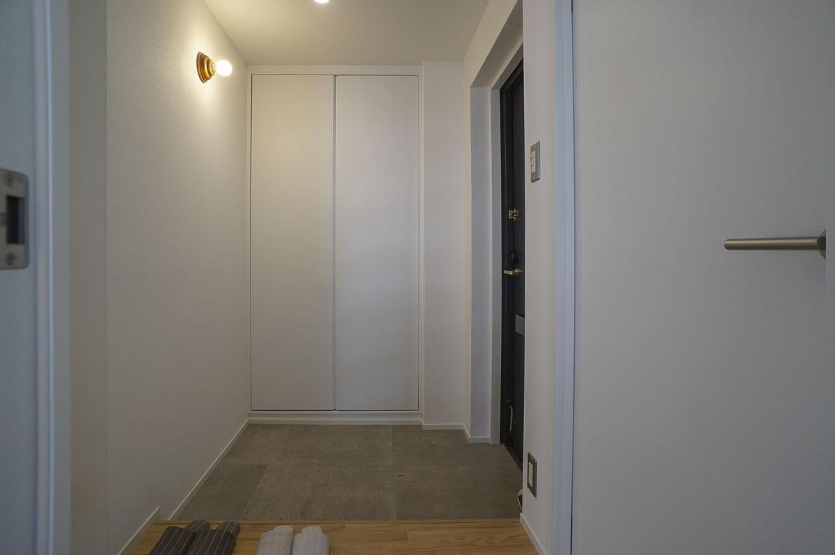 広く取られた玄関スペース