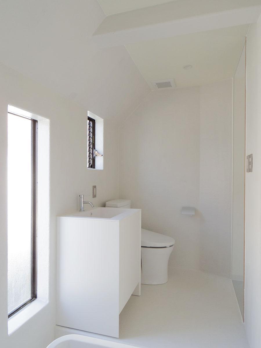 風呂とトイレ、洗面台は同室
