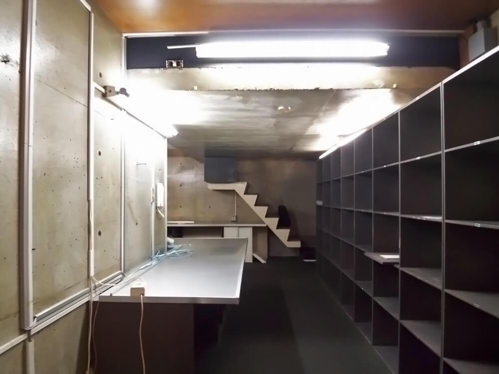 地下2階の入り口から