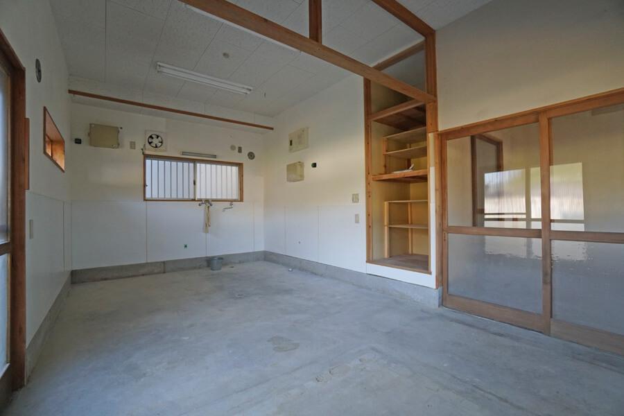 アトリエスペースは二つあり、こちらは広めの部屋