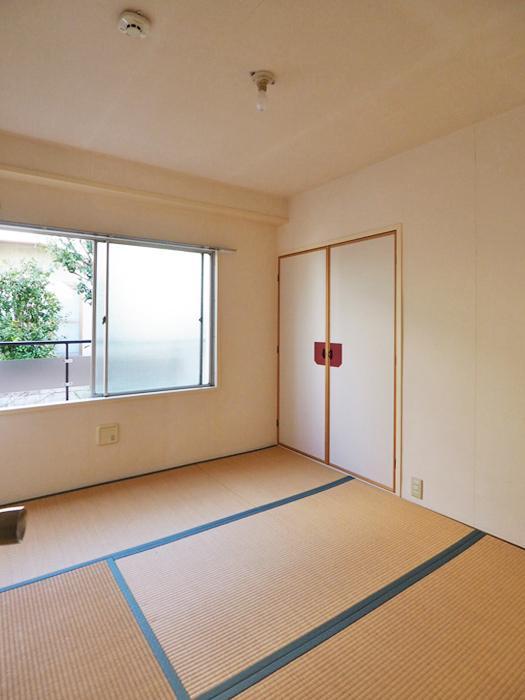 4畳半の和室も癒しの空間になりそう。文豪気分で書斎にしたり、お昼寝スペースにしてもいい