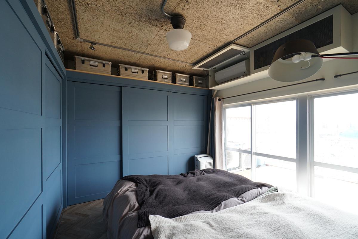 たっぷりとした収納に囲まれた主寝室