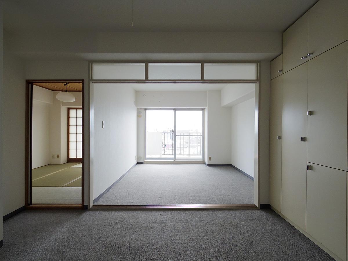 LDKと南側の洋室の仕切りはフルオープンにできる引き戸のため、つなげて広く使える