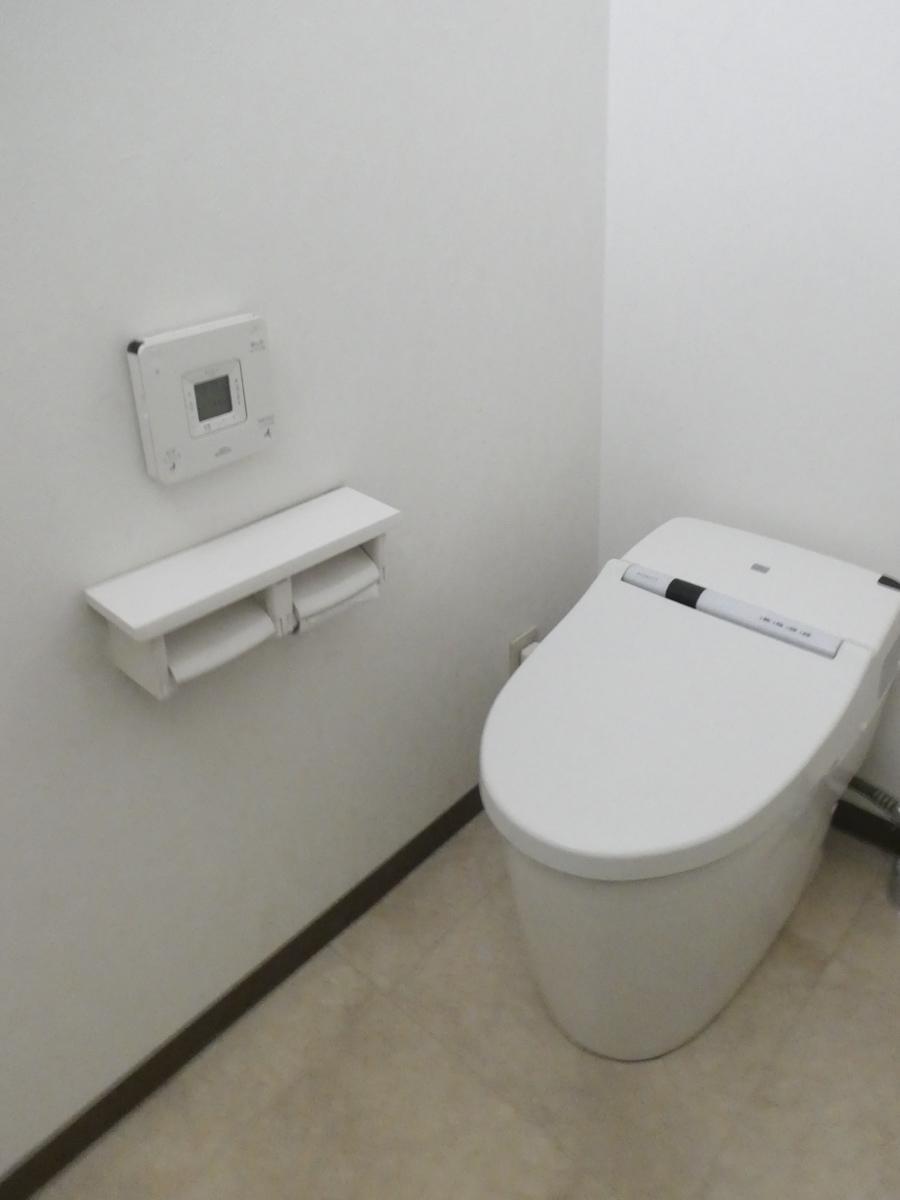 トイレはきれい。残置物扱い