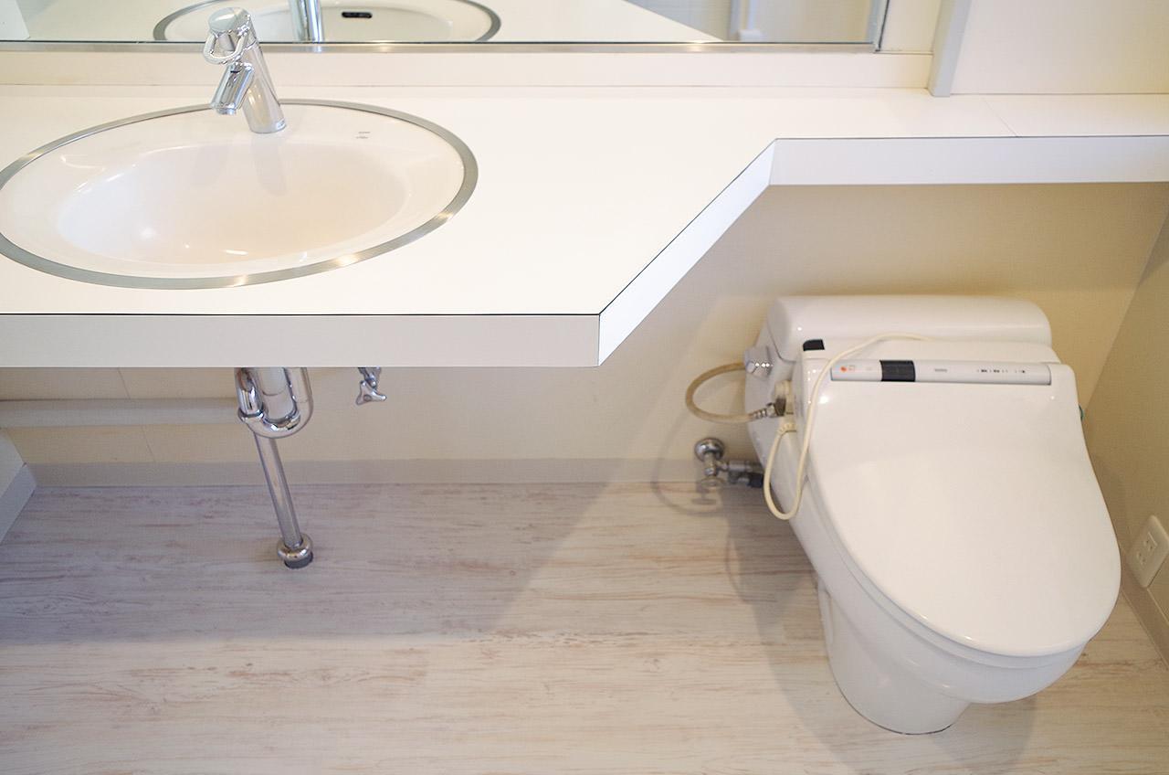 洗面所とトイレは同室です