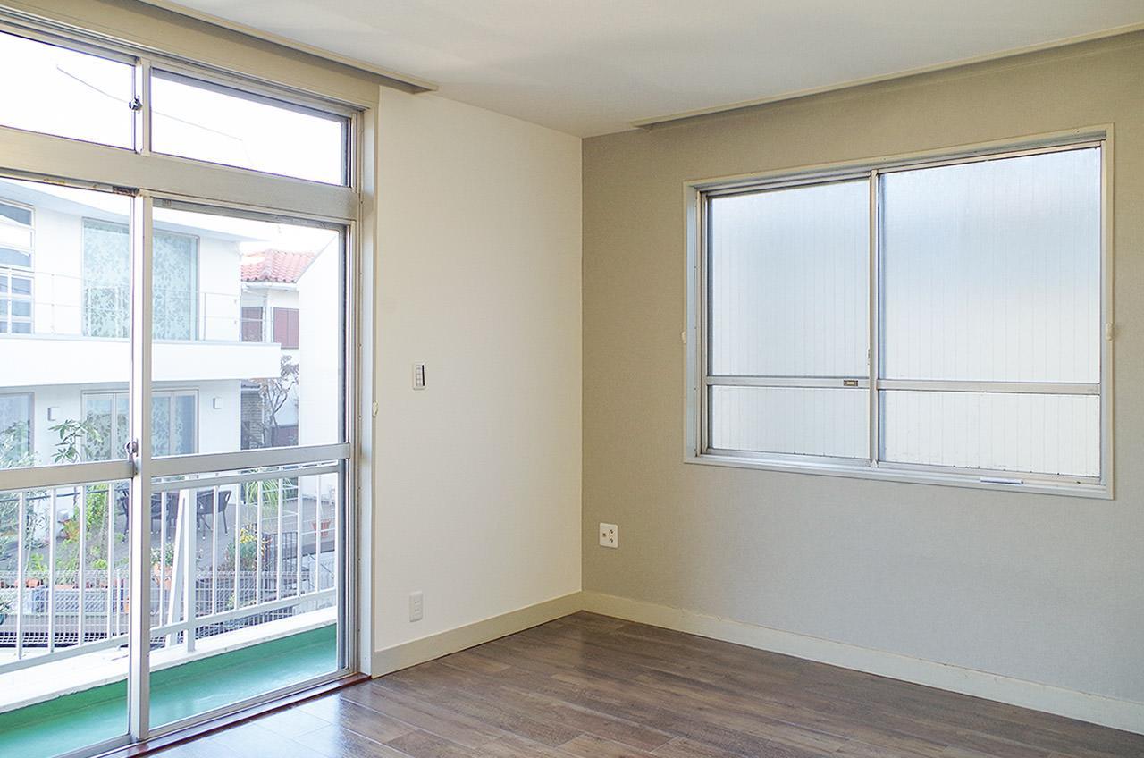 10畳の洋室は2面採光です
