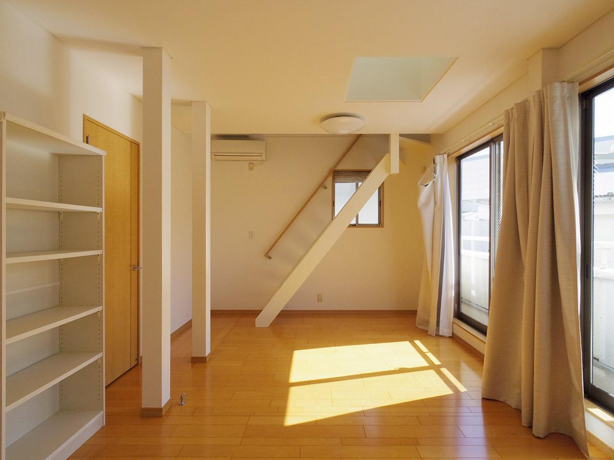 2階の洋室にはロフト付き