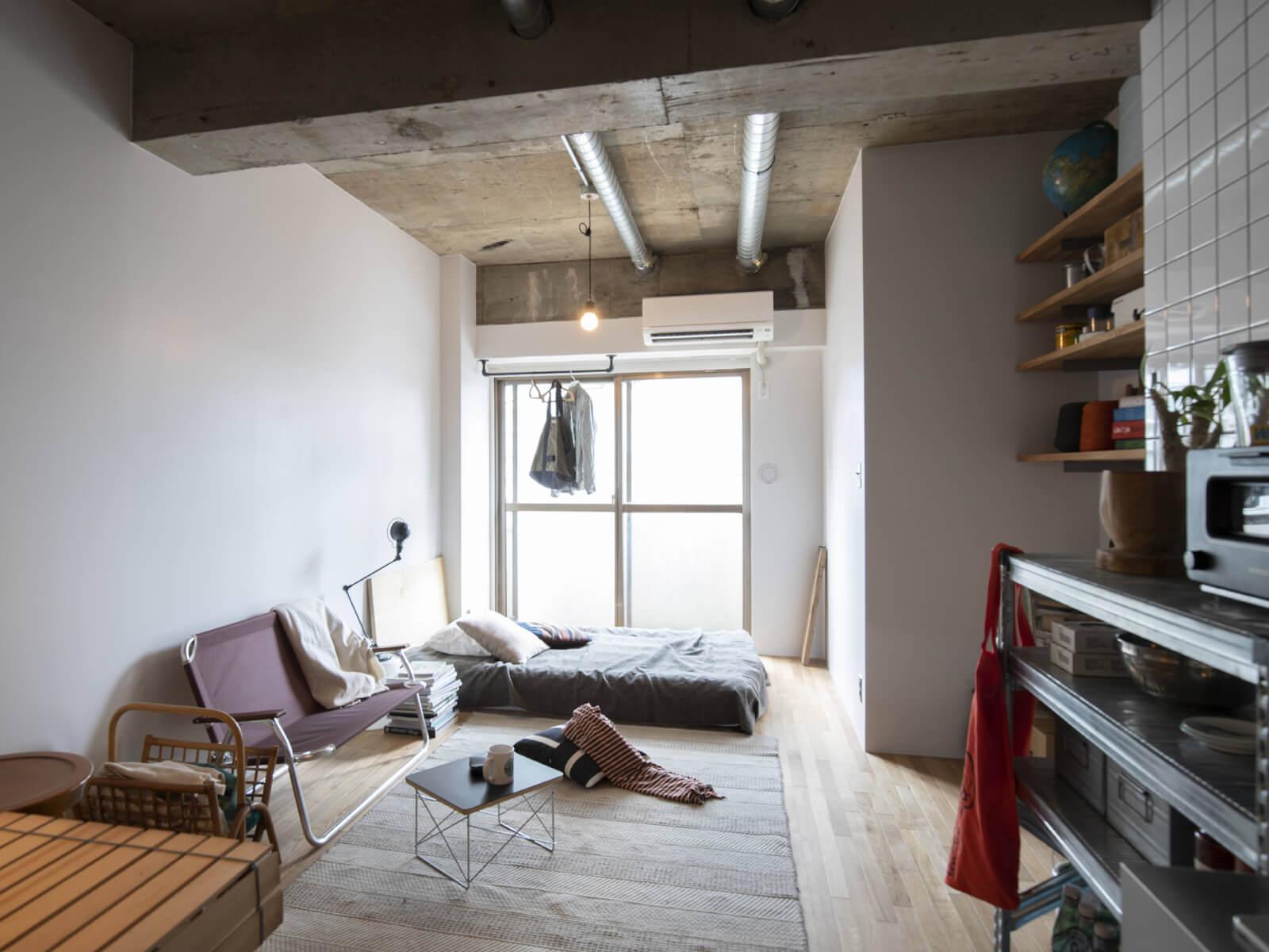 玄関から ダイニング→リビング→ベッドペースと、ゆるやかに繋げた使い方(7階)