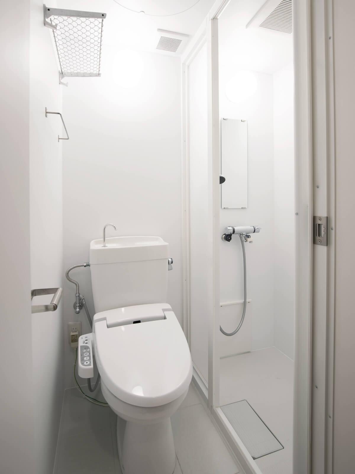潔く浴槽なし!シャワー&トイレユニット