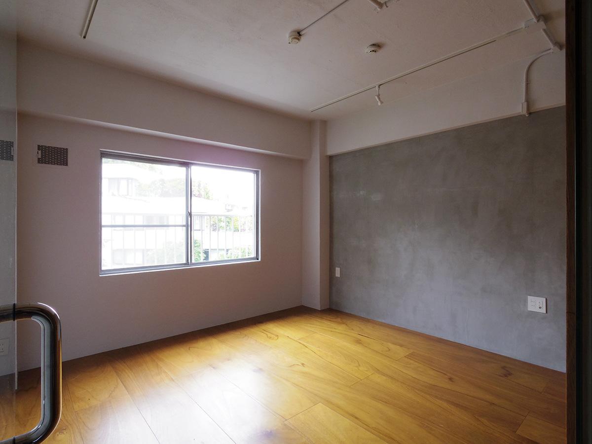 4階8.5畳洋室