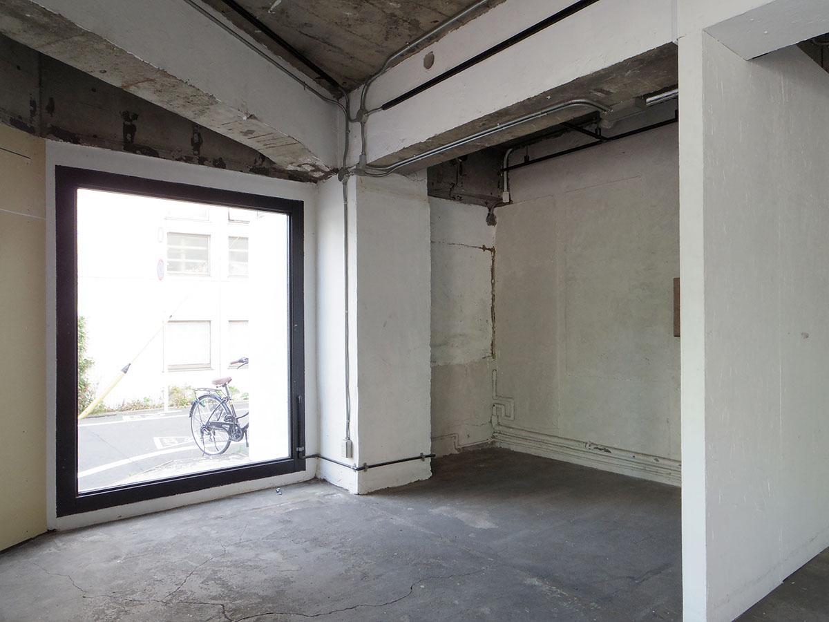 101号室:入り口の左側のスペース