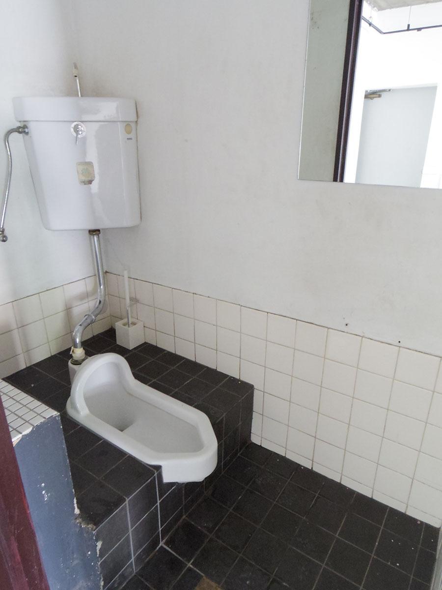 101号室のトイレは和式